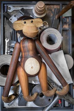 Design Journal The Kay Bojesen Monkey, produced by Brdr. This image is beautiful! Design Shop, Tool Design, Teak, Cute Creatures, Wood Toys, Apple Products, Art Plastique, Color Theory, Historical Sites