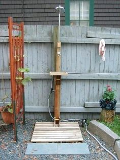 Diy Outdoor Shower Attached To A Hose Outdoor Bathrooms