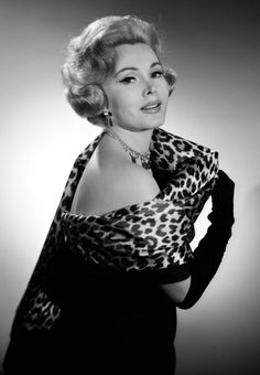 Zsa Zsa Gabor/Жа Жа Габор Hollywood Fashion, Old Hollywood Glamour, Golden Age Of Hollywood, Vintage Hollywood, Hollywood Stars, Hollywood Actresses, Classic Hollywood, 1950s Fashion, Female Actresses