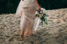 Beige and emerald Wedding Colours for a beach themed wedding + beige wedding dress Beige Wedding Dress, Red Bouquet Wedding, Red Wedding, Wedding Dresses, Emerald Wedding Colors, Beach Themes, Blush, Colours, Outdoor