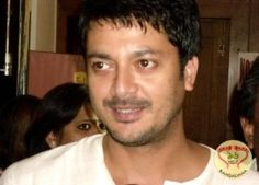 Jishu Sengupta who has been vowing the audiences with his great performances in many Bengali serials and films will be seen opposite Deepika Padukone in Shoojit Sircar's next film titled Piku. Amitabh Bachchan and Irrfan Khan are the other members of this film.  http://sholoanabangaliana.in/blog/2014/05/29/indian-tollywood-actor-jishu-sengupta-will-be-seen-romancing-deepika-padukone-in-shoojit-sircars-next/#ixzz33N5py600