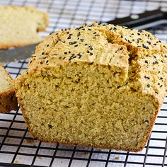 Use Coconut Oil Health Yeast and gluten free quinoa bread recipe. Made with quinoa and oat flours. No funky ingredients. 9 Reasons to Use Coconut Oil Daily Coconut Oil Will Set You Free — and Improve Your Health!Coconut Oil Fuels Your Metabolism! Gluten Free Baking, Vegan Baking, Bread Baking, Gluten Free Recipes, Healthy Baking, Yeast Bread, Bread Food, Coconut Flour Bread, Oat Flour