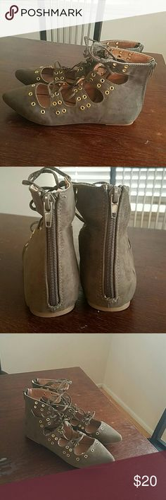 Report lace up flats Brand new without box Olive colored Report lace up flats. Really cute with gold colored holes for the laces! Size 7. Report Shoes Flats & Loafers
