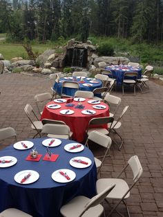 Varying the table cloth colors (or centerpiece colors) would be a great idea!