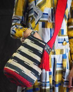 Wayuu Bags &Bikini etc. Diy Crochet Bag, Crochet Ideas, Crochet Patterns, Tapestry Bag, Boruto, Diy And Crafts, Purse, Handbags, Knitting