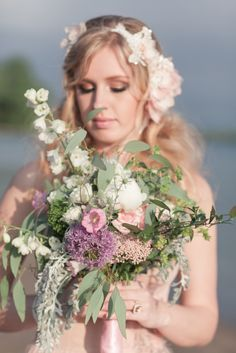 Love this bouquet! Bridget Rochelle Photography via http://styledandwed.com/?p=370