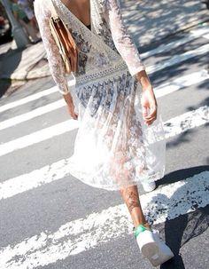 http://www.tendances-de-mode.com/breves/140619-adidas-robe-dentelle