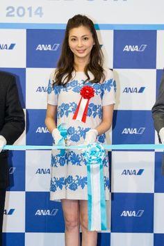 ANA(全日本空輸株式会社)が、3月30日(日)より成田-デュッセルドルフ線を開設。成田国際空港にて行われた就航を記念した初便セレモニーにANAのPRを務める押切もえが登場