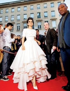 Kangana Ranaut at the French premiere of 'Queen' in Paris. #Bollywood #Fashion #Style #Beauty #Classy