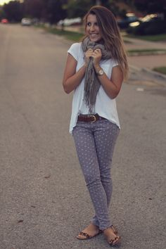 I don't really like polka dotted pants but this outfit is so cute that it makes me actually like these pants
