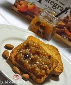 Confettura di mele e per con uvetta mandorla e cannella