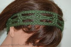 This headband is super cute and stylish! Bound to turn some heads with this!     Materials:  Worsted Weight Yarn  Size H hook  Yarn Needle...