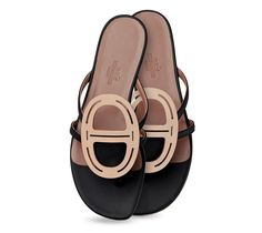 "Galet Slip on Sandals Hermes ladies' sandal in black kidskin, ""Chaine d'Ancre"" rawhide design, leather sole<br><br><span style=""font-family : Courier;color: #0066CC;"">This item may have a shipping delay of 1-3 days.</span><br><br>"