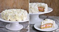 Denne kaken ser veldig imponerende ut, men den er overraskende enkel å lage, og så smaker den helt fantastisk. Revet marsipan gjør kaken svært saftig og jordbærkremen gir den en frisk og sommerlig smak. Den er fra boken min, Franciskas fristende kaker. Alle kakene i boken er testbakt. Her ser du hva testbakeren skrev: Bunnen …