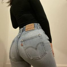 Nothing better than an ass in Tops For Leggings, Leggings Are Not Pants, Leather Pants, Leather Jackets, Black Leather, Sexy Jeans, S Girls, Girls Jeans, Sexy Hot Girls