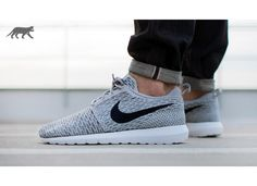 nike-flyknit-roshe-run-(light-charcoal-dark-obsidian-wolf-grey)-677243-006.jpg (930×675)