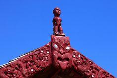 Maori carvings on the waka house at the treaty grounds in Waitangi, Bay of Islands. Treaty Of Waitangi, Romantic Honeymoon Destinations, Maori People, Bay Of Islands, Maori Art, People Of Interest, Most Romantic, Wedding Season, New Zealand