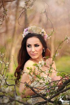 Sohemi_art / Svadobná kvetinová parta Flower Headbands, Flowers For You, Your Hair, Crown, Diy, Beauty, Corona, Bricolage, Do It Yourself
