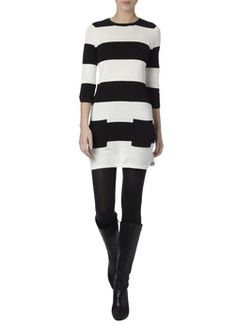 Love this dress from De Bijenkorf with black tights and boots only 39€
