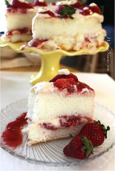Strawberry Angel Food Cake with Whipped Cheesecake Frosting - 6 Weight Watchers pp