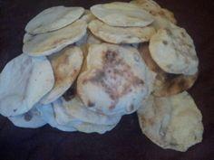 Lebaneese bread! Homemade! Healthy Foods, Healthy Recipes, Bread Baking, Homemade, Cookies, Nice, Desserts, Baking, Crack Crackers