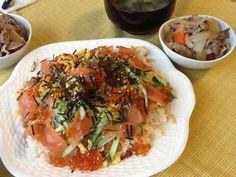 Sushi (chirashi).