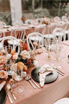 Mar 2020 - Portland florist designs contempory floral and flowers for wedding at The Woodlands House in Portland Oregon Wedding Designs, Wedding Styles, Wedding Ideas, Wedding Details, Wedding Favors, Wedding Invitations, Floral Wedding, Wedding Flowers, Greenhouse Wedding