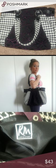 Ruth Michael houndstooth purse 👜 Ruth Michael beautiful classy purse.      NWOT Ruth Michael Bags