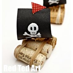 Easy Crafts For Kids, Craft Kids, Cork, Ted, Place Card Holders, Instagram, Ideas, Toddler Arts And Crafts, Corks