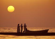 Omanischer Sonnenuntergang am Meer.
