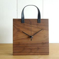 Craftsman Clocks, Diy Projects For Men, Design Tisch, Displays, Wall Clock Design, Diy Clock, Wood Clocks, Wooden Watch, Decorative Items