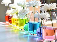 Je joue sur la couleur de l'eau de mes bouquets