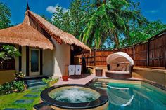 Pictures Amazing lovers: Banyan Tree Vabbinfaru Maldives relaunched as a all pool villa resort.
