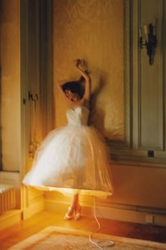 Tim Walker Photography – Vogue Pictures, Prints, Shoots (Vogue.co.uk)