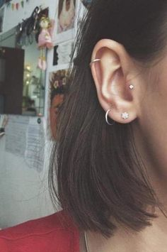 Hope you like my ear piercing!:) tragus helix lobe small piercing Hope you like my ear piercing!:) tragus helix lobe small piercing & The post Hope you like my ear piercing!:) tragus helix lobe small piercing appeared first on Harny - Home Decor. Helix Piercings, Cute Ear Piercings, Piercings For Girls, Unique Piercings, Ear Peircings, Tragus Piercing Jewelry, Double Lobe Piercing, Piercings For Small Ears, Cartilage Earrings