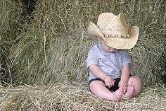 Trendy baby names country boys cowboys Ideas Boys Cowboy Hat, Baby Boy Cowboy, Cowboy Pics, Cowboy Theme, Cowboy Boots, Western Baby Bedding, Western Babies, Western Nursery, Baby Boy Photos