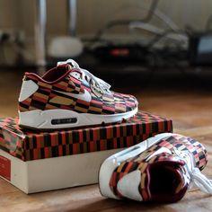 "Roundel x Nike Air Max 90 ""London Underground"""