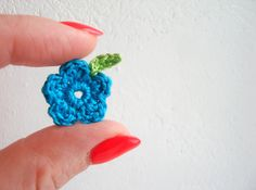 Crochet Flowers & Leaves Garden / Meadow by CrochetPocket on Etsy, $2.48 Green Materials, Craft Corner, Crochet Flowers, Embellishments, Crochet Earrings, Crafts, Leaves, Etsy, Color