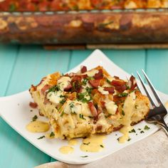Eggs Benedict casserole! I love eggs benny so so much! But I just never make it at home. Maybe this will change that!