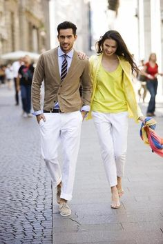 Stylish and even though it's after labor day they still pulled off creme pants and made it work too cute!