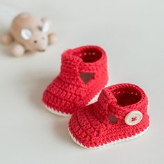 Crochet baby Booties - Ruby Slippers pattern by Croby Patterns ♥