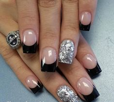 vernis-shellac-idee-deco-ongles-French-manucure-argente