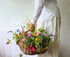 flower noritake   ᘡℓvᘠ □☆□ ❉ღϠ □☆□ ₡ღ✻↞❁✦彡●⊱❊⊰✦❁ ڿڰۣ❁ ℓα-ℓα-ℓα вσηηє νιє ♡༺✿༻♡·✳︎· ❀‿ ❀ ·✳︎· FR FEB 24 2017 ✨ gυяυ ✤ॐ ✧⚜✧ ❦♥⭐ ♢∘❃ ♦♡❊ нανє α ηι¢є ∂αу ❊ღ༺✿༻✨♥♫ ~*~ ♆❤ ♪♕✫❁✦⊱❊⊰●彡✦❁↠ ஜℓvஜ All Flowers, Holding Flowers, Flowers Nature, Fresh Flowers, Beautiful Flowers, Flower Boxes, Flower Basket, Flower Farm, My Flower