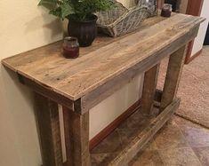 Espejo hermoso puede ser libre o colgado y se hace con la plataforma de edad repurposed vidrio madera y calidad.  Ganchos de metal se unen para