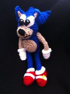 sonic soft toy.