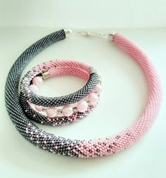 Beaded Jewelry Designs, Bead Jewellery, Jewelry Patterns, Handmade Jewelry, Bead Crochet Patterns, Bead Crochet Rope, Crochet Beaded Bracelets, Seed Bead Bracelets, Women's Jewelry Sets