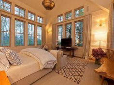 Beautiful Master Bedroom. Love The Windows And The View......