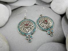 Pendientes etnicos artesanales tibetanos.. Foto 1