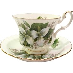 Royal Albert Bone China pays tribute to the lovely and endangered Trillium flower on this pretty teacup and saucer in the Montrose shape.  Large