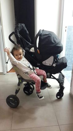 Coche hermanitos Baby Equipment, Mixed Babies, Kenny Chesney, Baby Carriage, Prams, Kids And Parenting, Babys, Baby Dolls, Baby Strollers